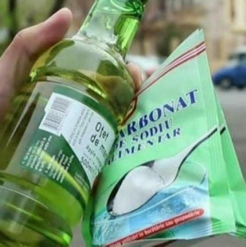 Bicarbonatul de sodiu bun pentru negi